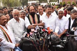 Congress-led Praja Kutami calls on Telangana Governor to inform about pre-poll alliance