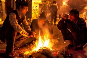 Agra experiencing unusually cold weather; normal life disrupted