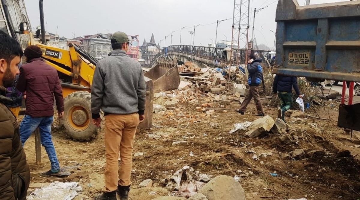Three CRPF anti-terror bunkers in Srinagar demolished by SMC