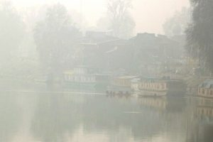 Severe cold wave in Kashmir, Ladakh; temperature drops below freezing point