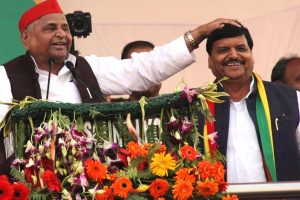 Mulayam Singh Yadav makes surprise appearance at Shivpal rally