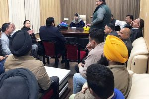 Faced with desertions, PDP holds meetings in Srinagar and South Kashmir