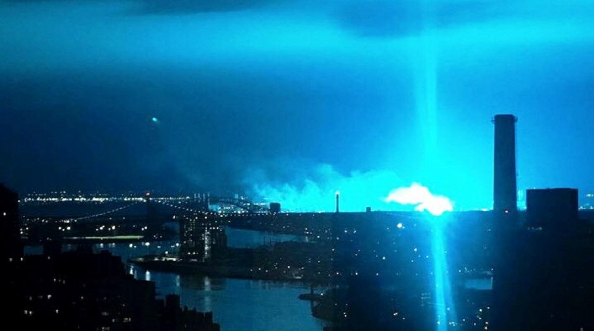 Massive explosion rattles New York, Alien invasion, Queens, New York skyline, Manhattan, New Jersey, New York City Police Department, Con Ed facility, New York City Fire Department, LaGuardia Airport, Astoria, Astoria power plant, Astoria explosion