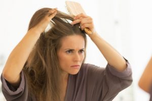 Effective natural ways to prevent dandruff