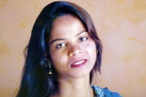 Pakistan Supreme Court upholds Asia Bibi's blasphemy acquittal, paves way for her to leave country