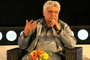 Rajkumar Hirani among 'most decent' people in Javed Akhtar's book