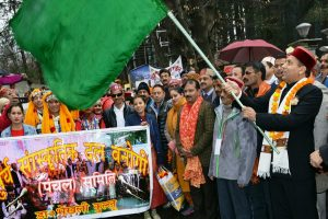 Himachal: Winter Carnival begins in Manali with traditional fervour