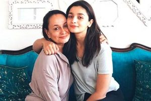 Alia Bhatt supports mother Soni Razdan's film No Fathers In Kashmir