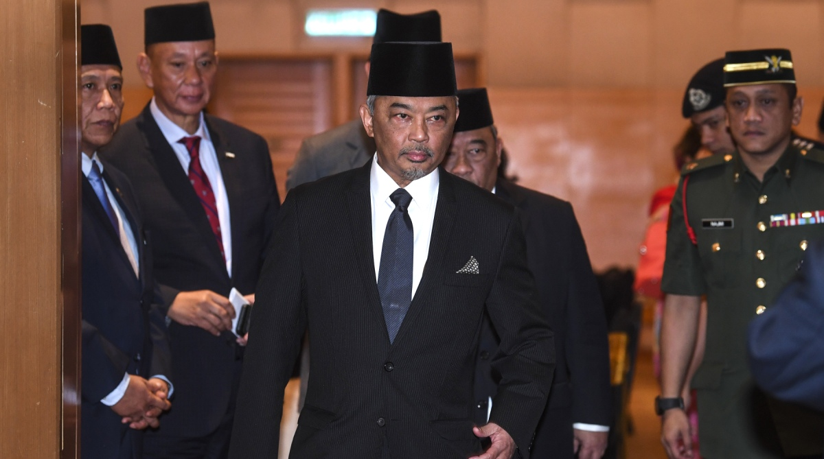 Malaysian state, New sultan, Elected king, Sultan Muhammad V, Malaysian sultan