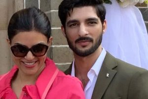 Couple goals: Sushmita Sen-Rohman Shawl Instagram chat is adorable