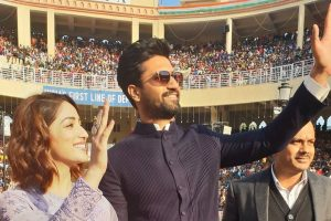 Watch: 28,000 Indians respond to Vicky Kaushal's 'How's The Josh' at Wagah