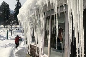 Icy delight in Kashmir