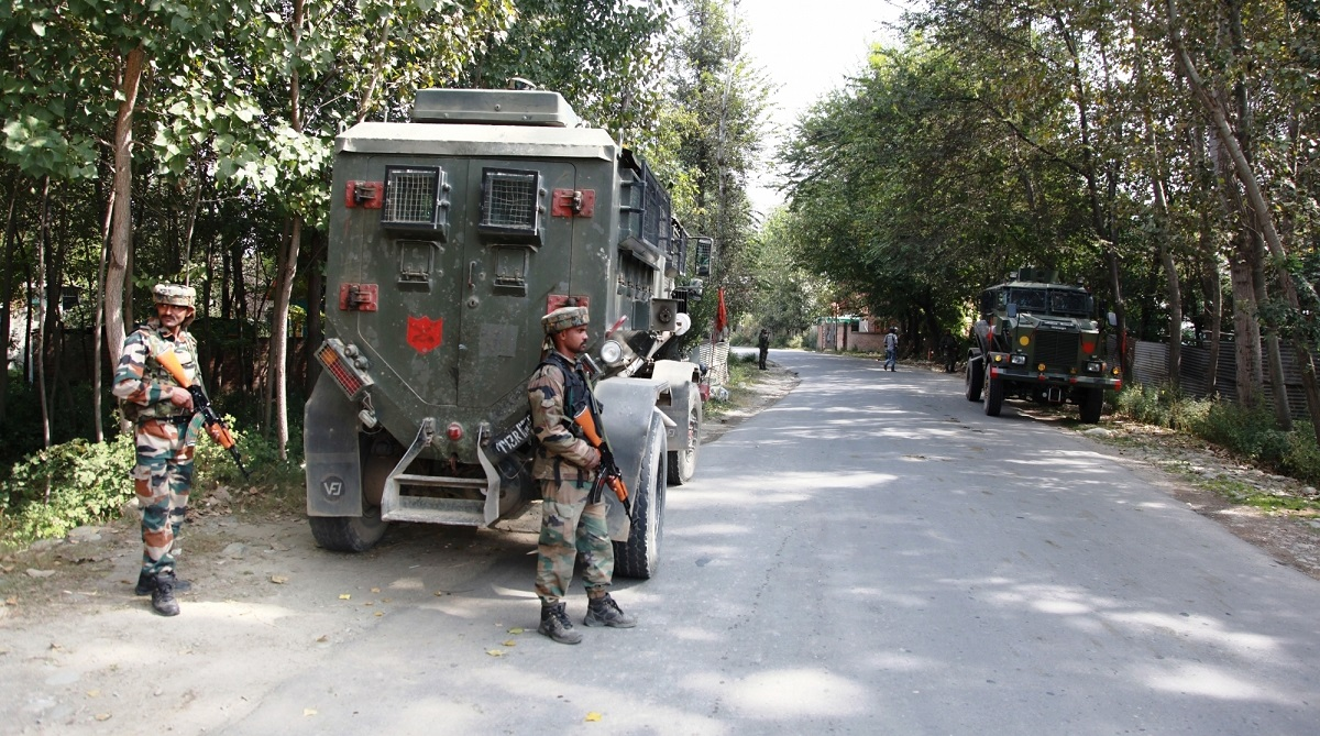 Jammu and Kashmir, Shopian, Rashtriya Rifles, Special Operations Group, Jammu and Kashmir Police, Shamsul Haq Mengnoo, Draggud village, Heff Shermal village, Inamul Haq Mengnoo, Hizbul Mujahideen