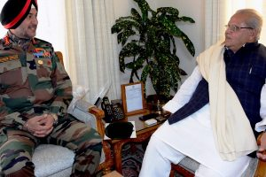 Governor Malik meets Northern Army Commander; stresses for strict vigil on LoC, IB