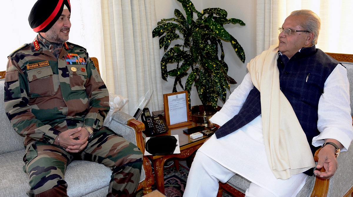Governor Malik meets Northern Army Commander, Indian Army, Pakistan Army, Border Action Team, Line of Control, North Kashmir, Governor Satya Pal Malik, International Border, Jammu and Kashmir