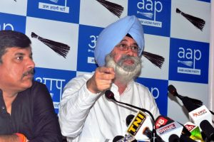 HS Phoolka, fighting 1984 anti-Sikh riots cases, resigns from AAP