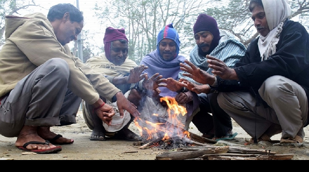 Delhi wakes up to cold Sunday morning