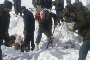 Eight killed, 2 injured as avalanche hits police post near Jawahar Tunnel