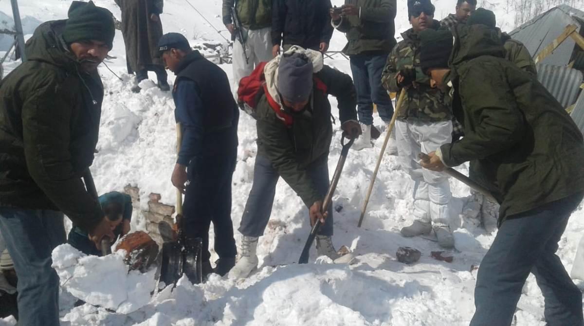 Avalanche, Police post, Jawahar Tunnel, Jammu Kashmir avalanche