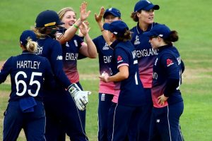 Sarah Taylor, Katherine Brunt recalled to England squad for India tour