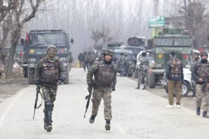 Gunfight on between security forces and militants in Baramulla