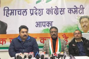 Congress moves CEC as BJP plans to hoist party flags atop homes of govt beneficiaries