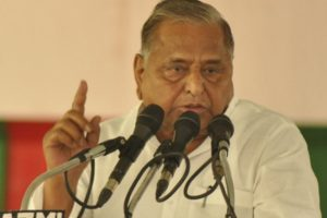 Embarrassment for Akhilesh again as Mulayam slams his decision to tie up with BSP
