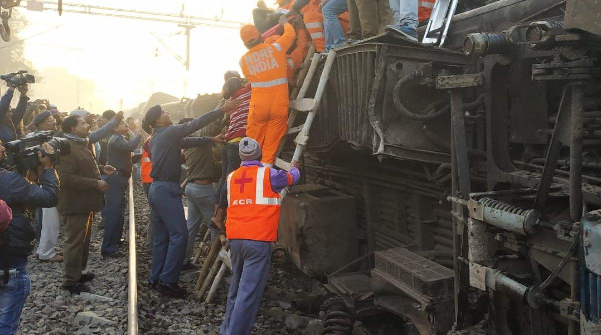 Seemanchal Express tragedy, Seemanchal Express, Rail fracture, Derailment, PM Modi, Rahul Gandhi