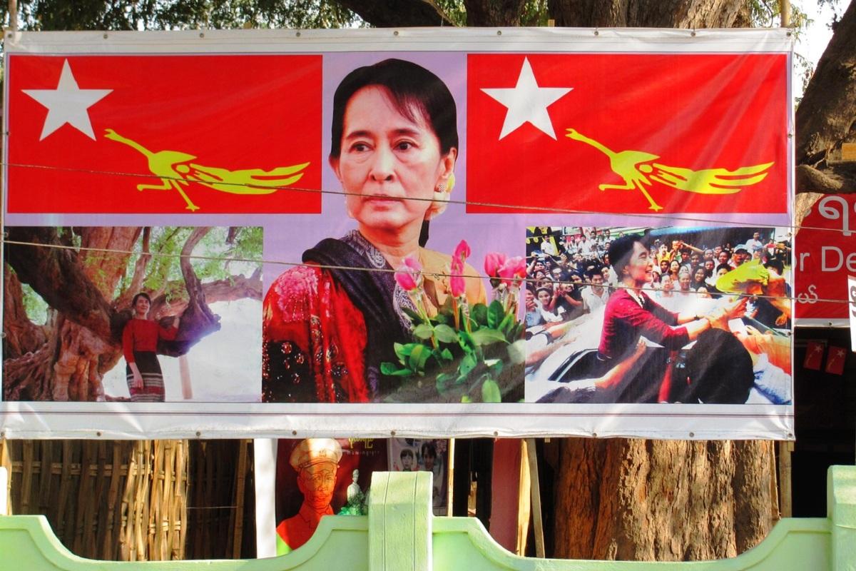 Round One to Suu Kyi, Rohingyas, Myanmar, Aung San Suu Kyi, World War II