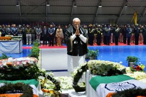 Pulwama attack: PM Modi, Rahul Gandhi pay homage to slain CRPF troopers