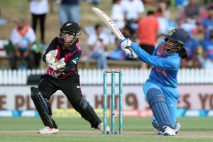 'Mandhana in men's team please!' says Twitter as Smriti plays another super inning against New Zealand