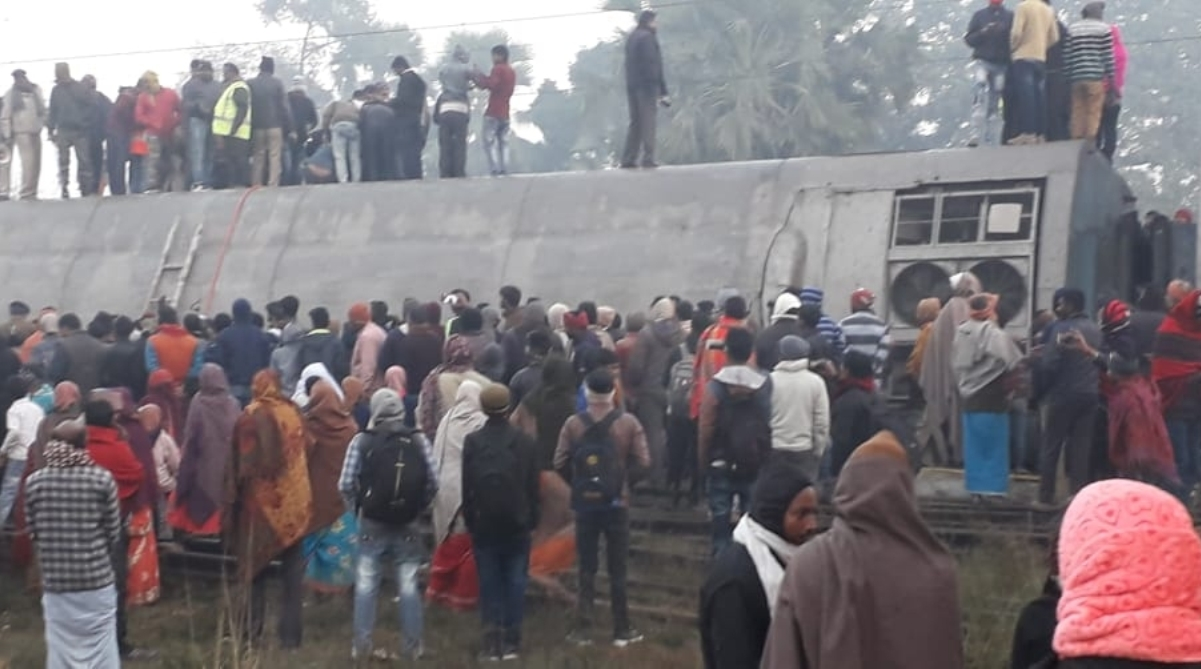 Seemanchal Express, Train derailment, Delhi-bound train, Bihar, Vaishali, Piyush Goyal