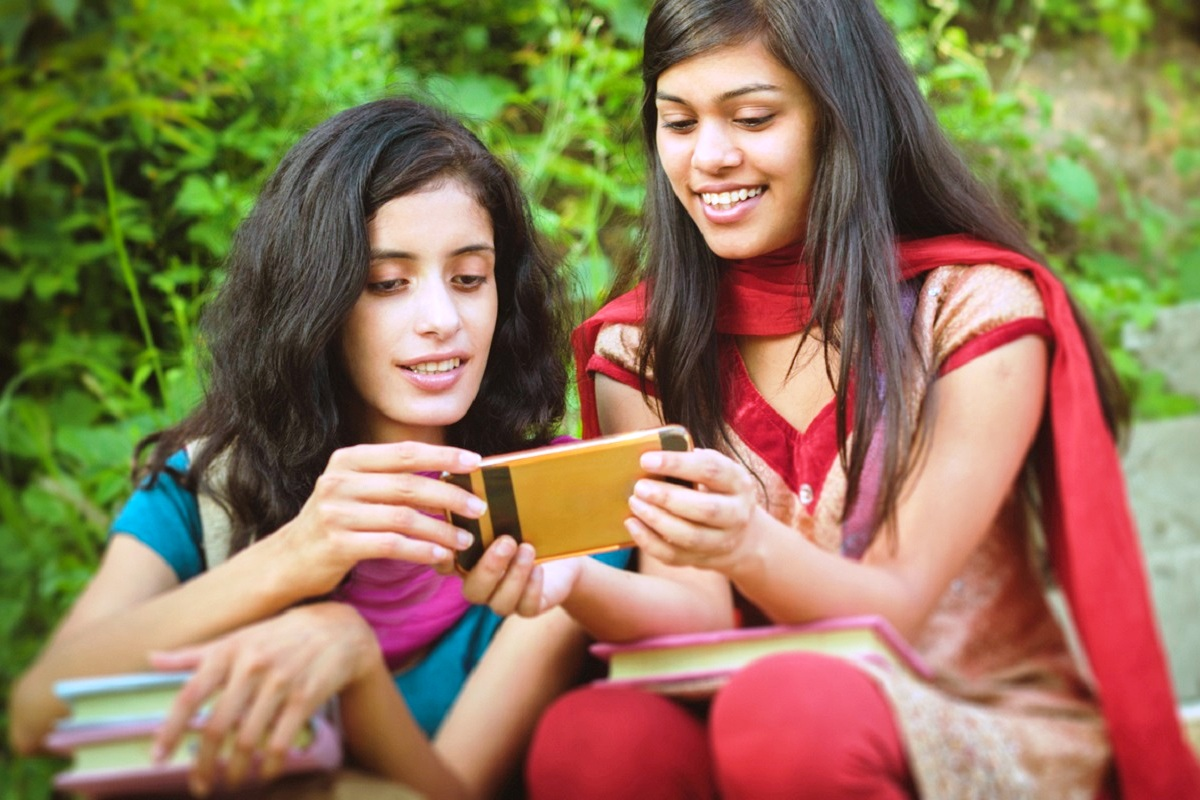 5 apps to help you in preparing for competitive examinations