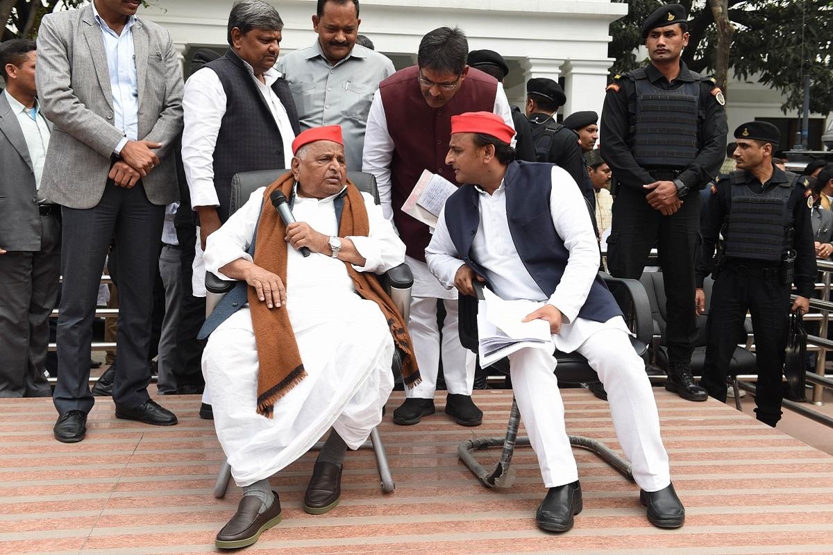 Mulayam seethes as son buckles, Mulayam Singh Yadav, Mayawati, BSP, Congress, Uttarakhand, Madhya Pradesh, Bihar, Tejaswi Yadav