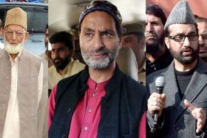 J-K govt scraps security of 18 separatists including Geelani, Malik and 155 politicians