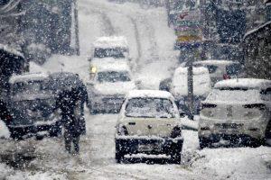 4 dead, 10 missing, hundreds stranded in J-K after season's heaviest snowfall