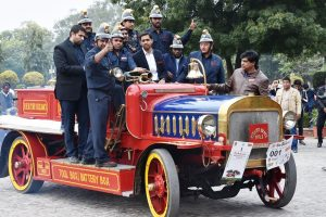 The Statesman car rally: 'Vintage' selfies flavour of the day