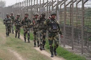 Pakistani troops target cross-LoC trade centre at Poonch