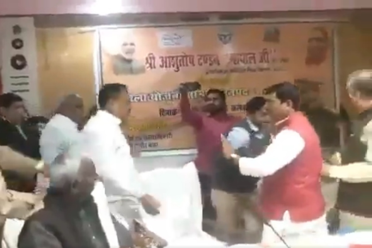 BJP MLA who was thrashed by party MP stages protest against police action on supporters