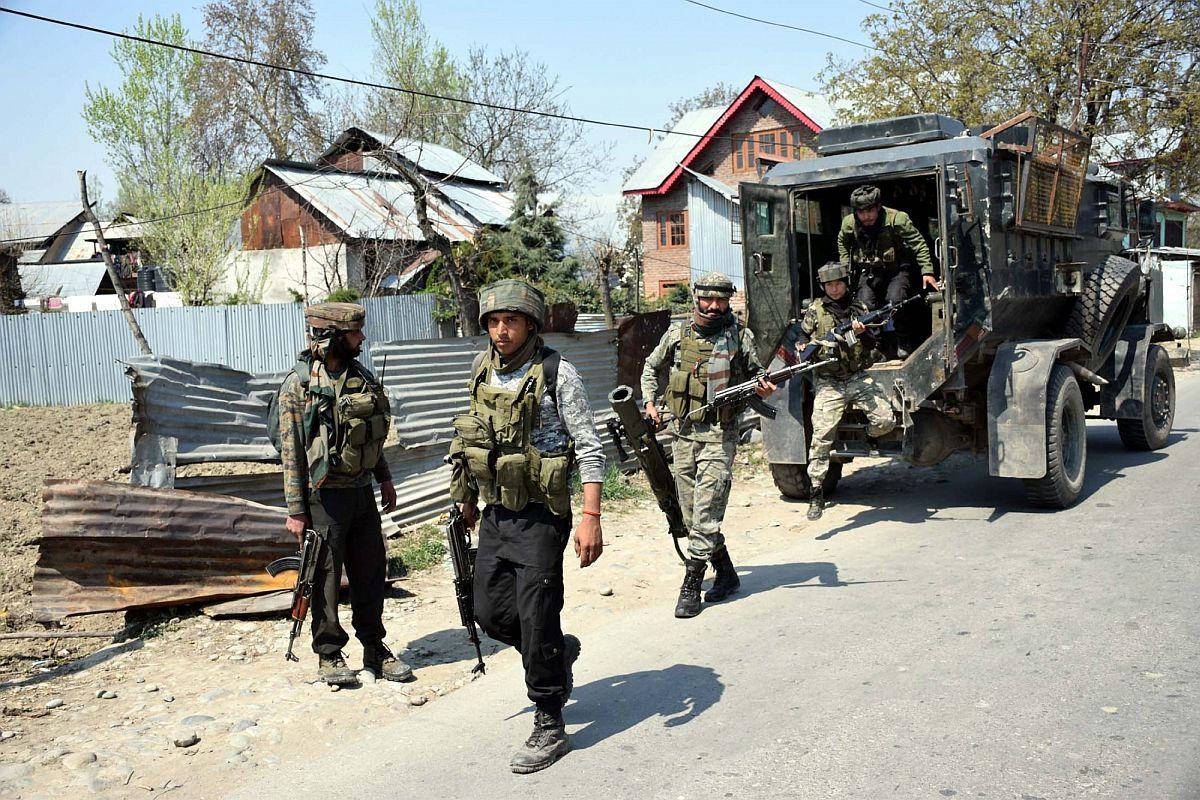 Two gunfights underway in J-K's Sopore, Shopian; 1 terrorist killed