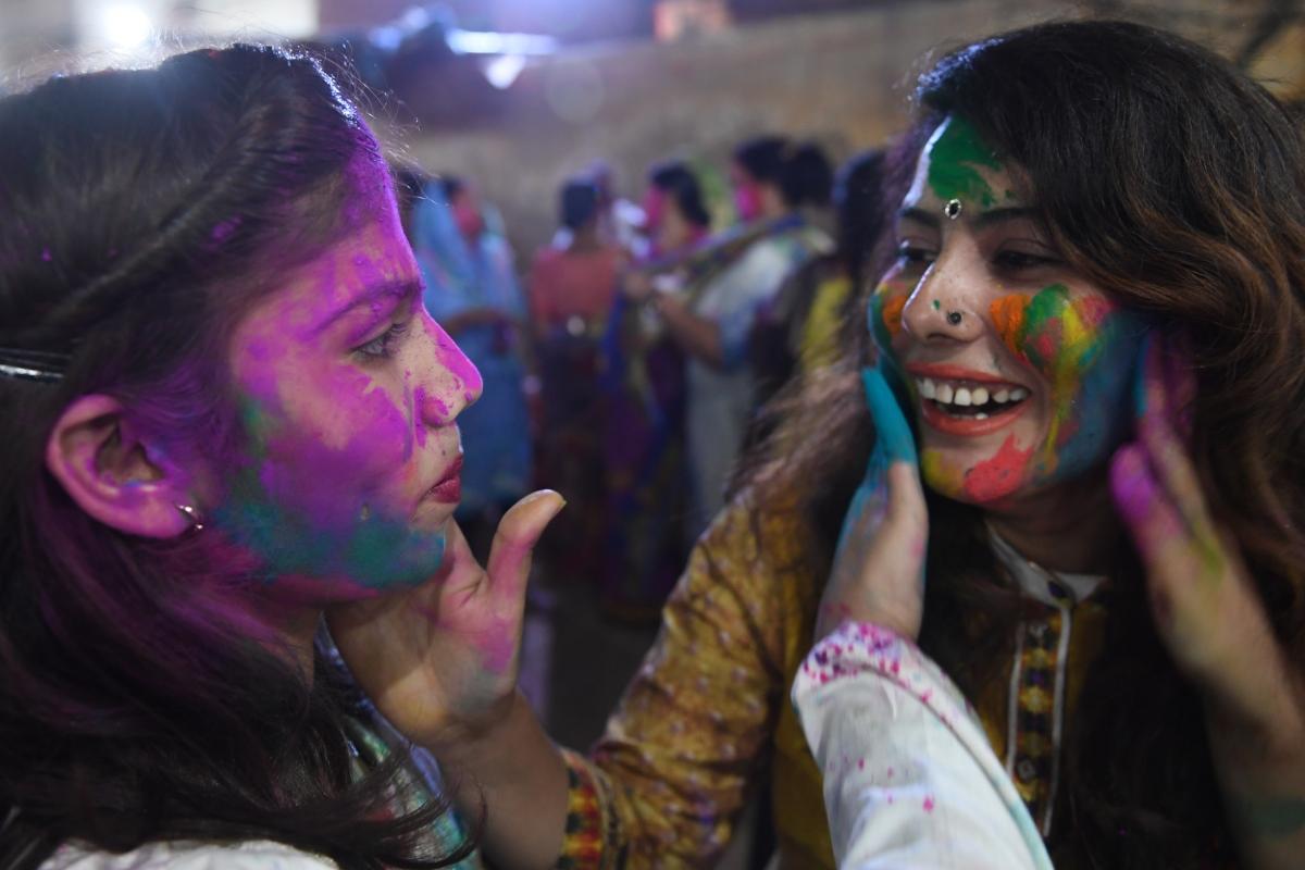 Hindus, Bangladesh, Pakistan, Holi