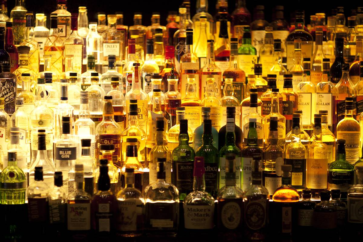 Liquor bottles, 1st April, Don't drink & drive, health warnings, FSSAI, Food Safety and Standards Act 2006, alcoholic beverages