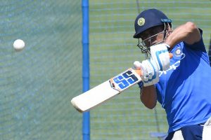 Dhoni's experience important for India, says Clarke