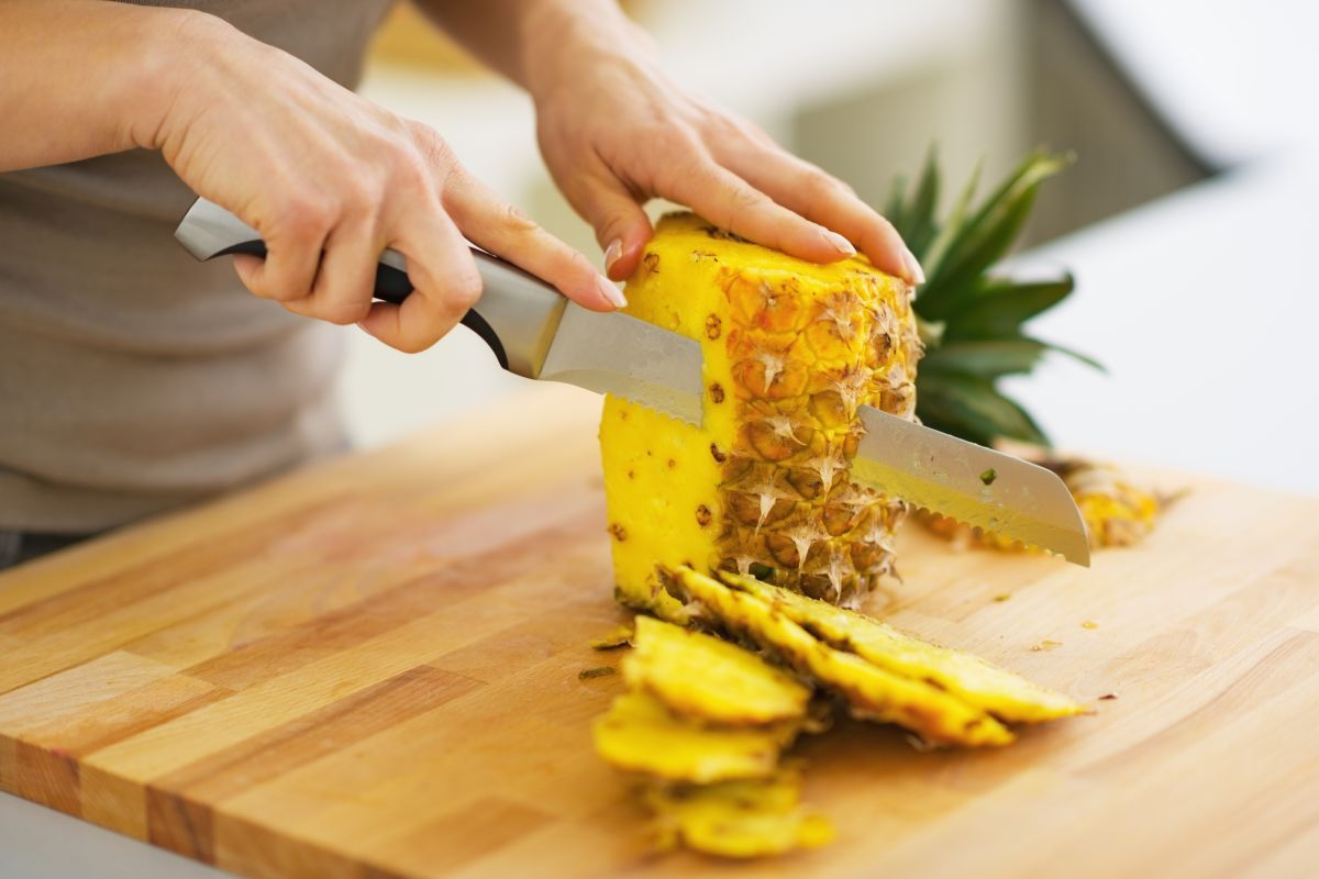 Viral | How do you eat your pineapple? This video is an eyeopener