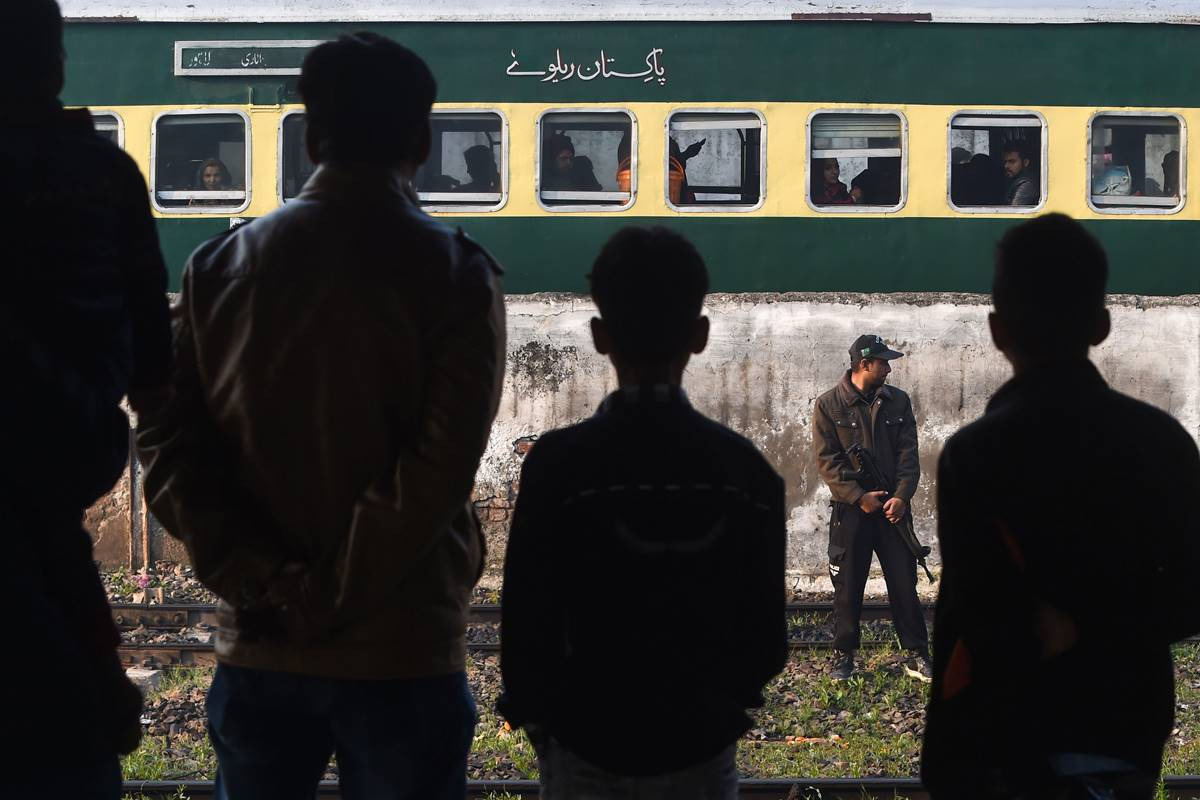 India lashes out at Pakistan for questioning Samjhauta case ruling