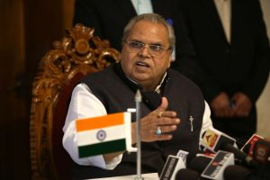 Facing criticism, Governor Malik to discuss with leaders issue of security to political activists