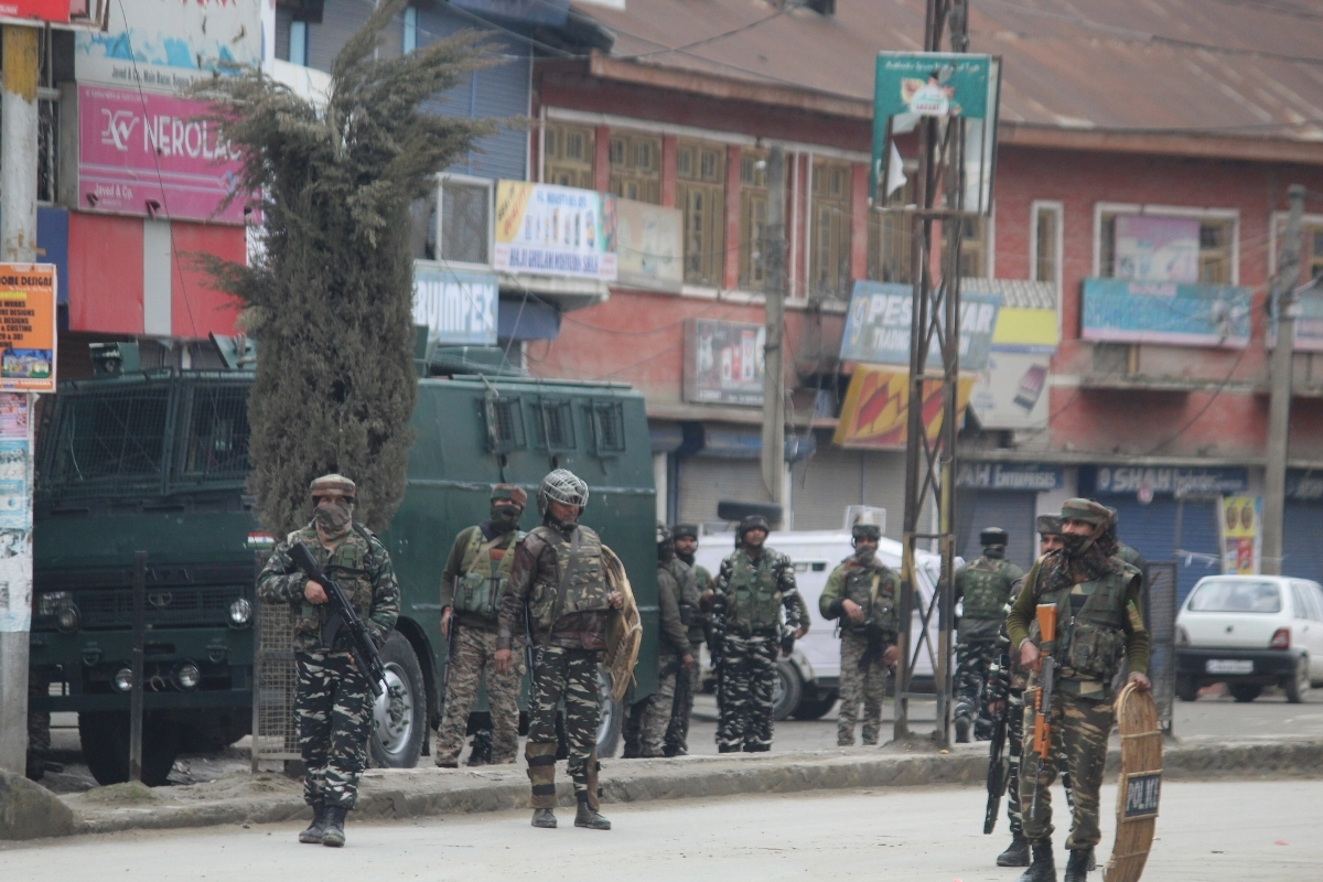 Three gunfights, Jammu-Kashmir, Cops, Grenade attack