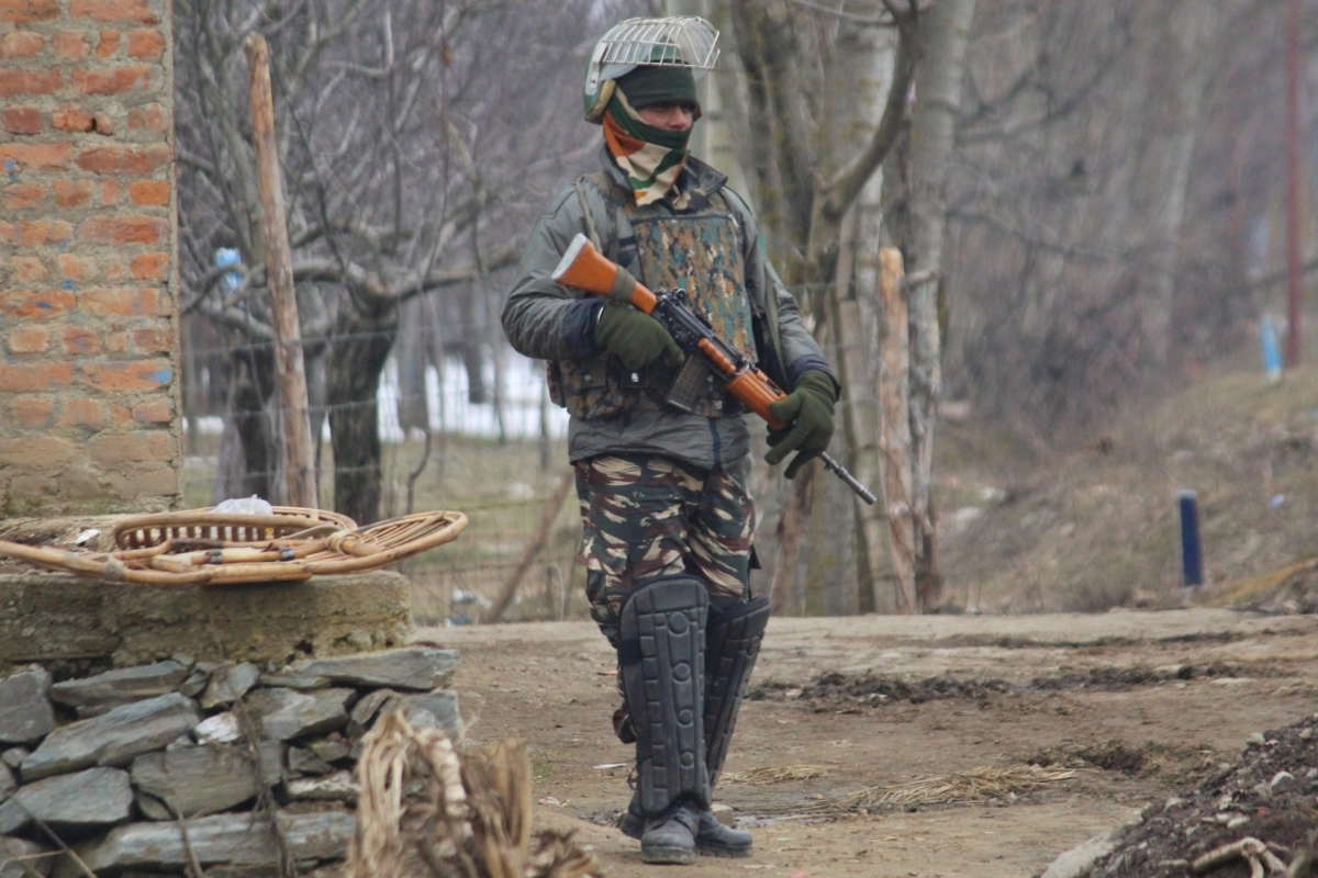 3 soldiers injured as Pakistan troops continue shelling along LoC