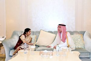 Sushma Swaraj meets foreign ministers of OIC member countries