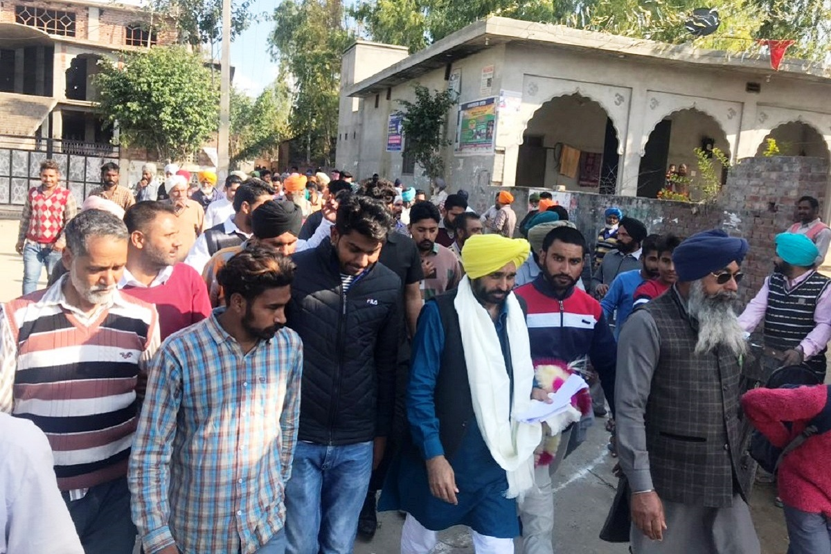 AAP launches 'Bijli Andolan' in Punjab over high electricity bills